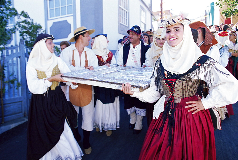 People carrying pieces of Our Lady of Snows altar, during the Descent of Our Lady of Snows fiesta, Santa Cruz de la Palma, La Palma, Canary Islands, Spain, Atlantic, Europe