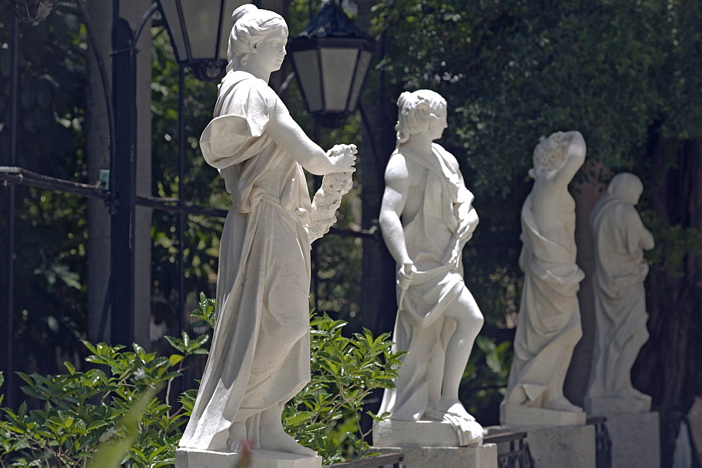 Neo-classical statues in the gardens of what was originally the villa of JosŽ Gomez Mena, built in 1927, now the Museum of Decorative Arts, Vedado, Havana, Cuba, West Indies, Central America - 722-138