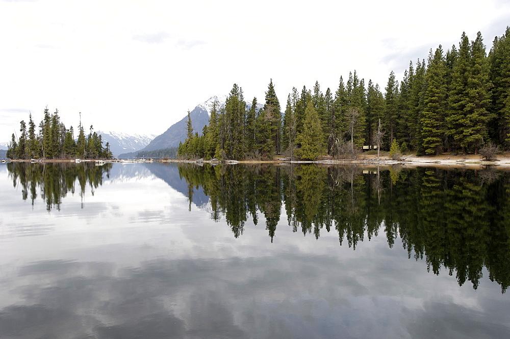 The Wenatchee River, Leavenworth area, Washington State, United States of America, North America