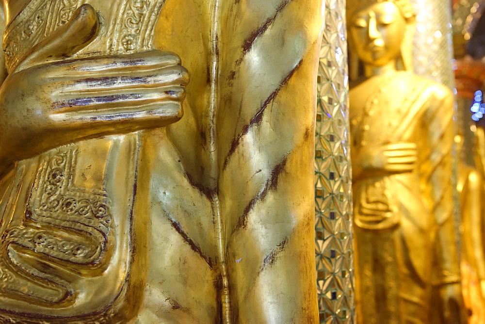 The Shwedagon Pagoda, Yangon (Rangoon), Yangon region, Republic of the Union of Myanmar (Burma), Asia  - 724-2359