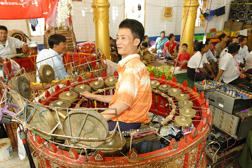 The hsaing waing, a traditional Burmese folk musical ensemble, Festival of Ko Myo Shin, one of the most important nats (spirits) of the national pantheon, Pyin U Lwin (Maymyo), Mandalay Division, Republic of the Union of Myanmar (Burma), Asia  - 724-2388