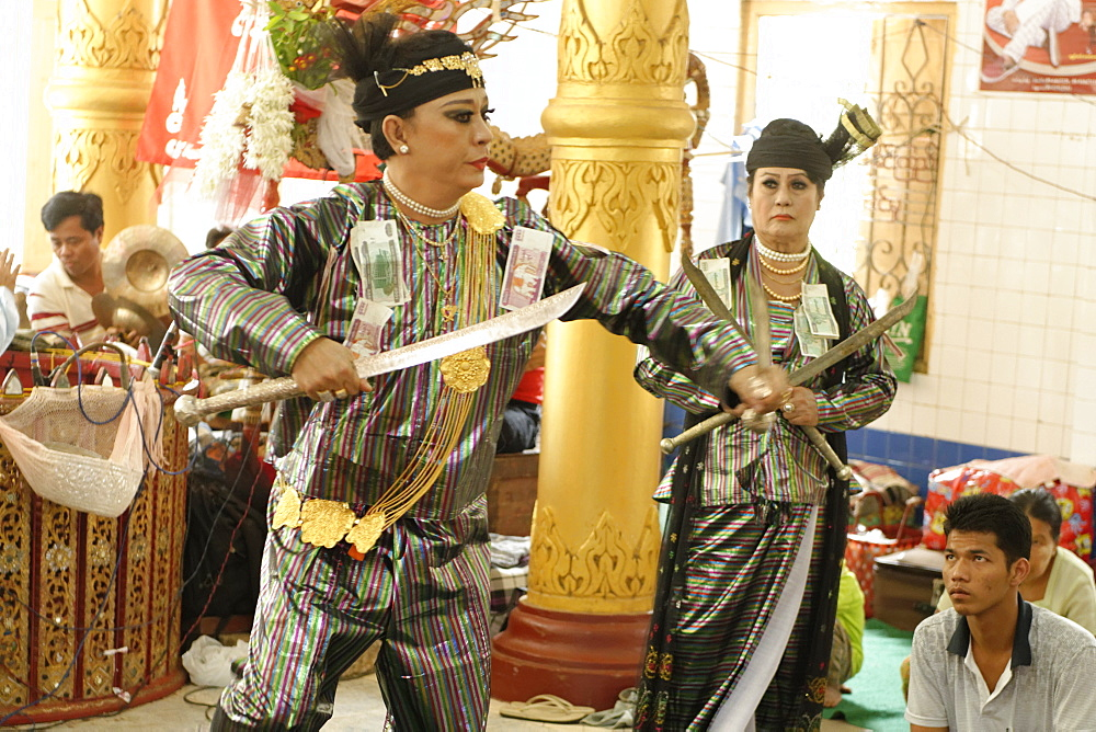 Yangon U Win Hlaing, a famous nat-kadaw (medium), Festival of Ko Myo Shin, one of the most important nats (spirits) of the national pantheon, Pyin U Lwin (Maymyo), Mandalay Division, Republic of the Union of Myanmar (Burma), Asia