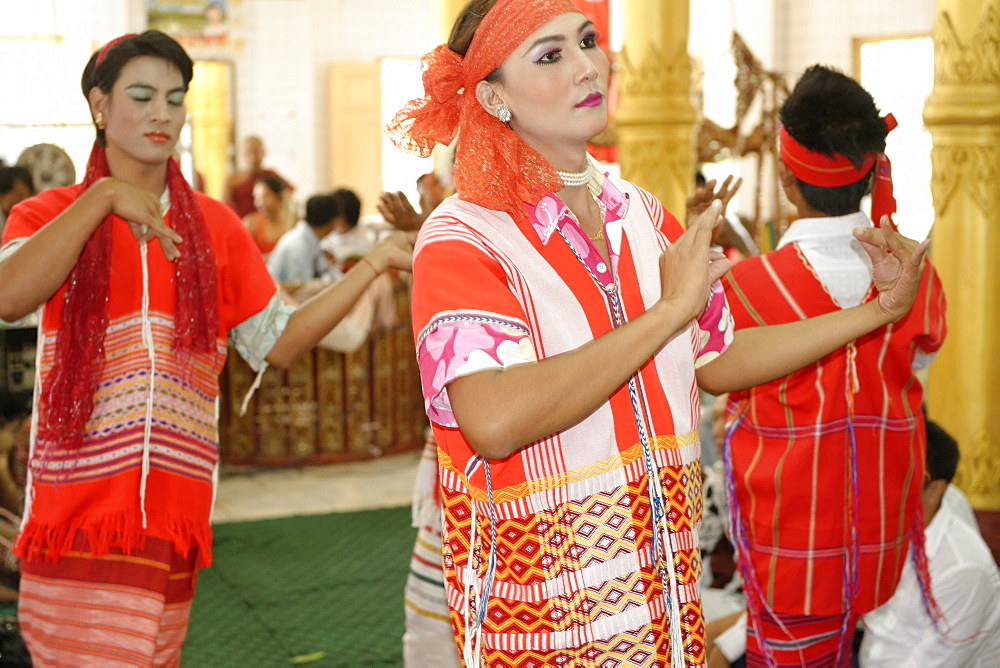 Festival of Ko Myo Shin, one of the most important nats (spirits) of the national pantheon, Pyin U Lwi (Maymyo), Mandalay Division, Republic of the Union of Myanmar (Burma), Asia