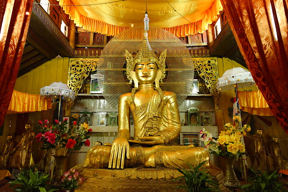Buddhist monastery, Hsipaw area, Shan State, Republic of the Union of Myanmar (Burma), Asia  - 724-2400