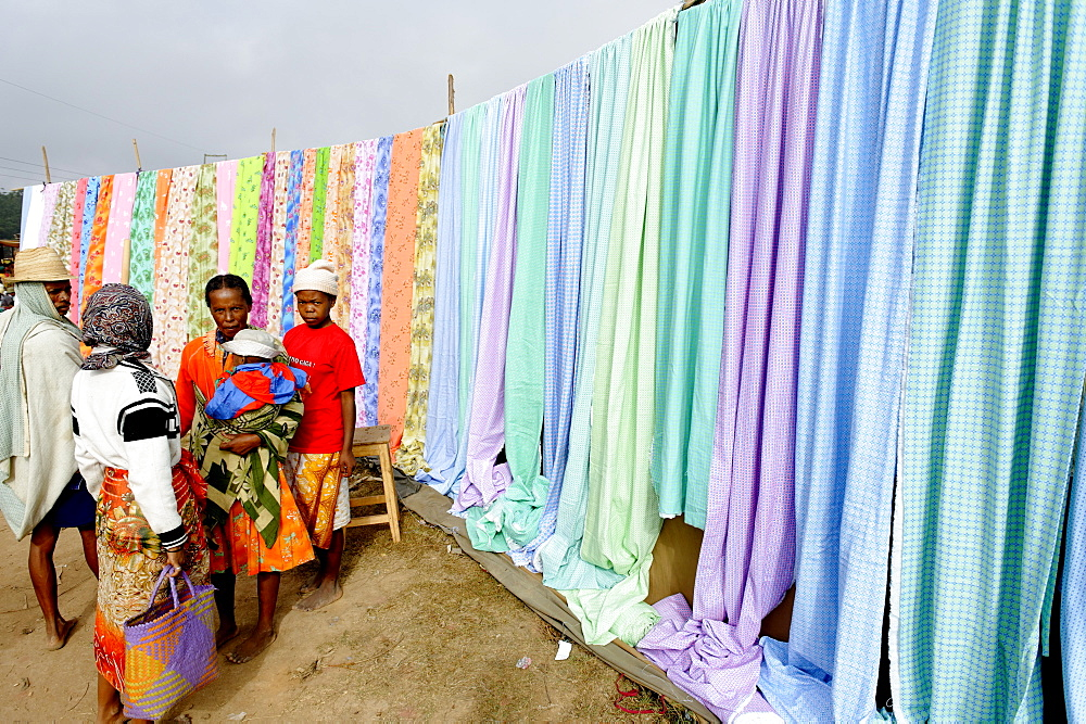 Friday market in the Betsileo country, around Fianarantsoa, Madagascar, Africa  - 724-2468