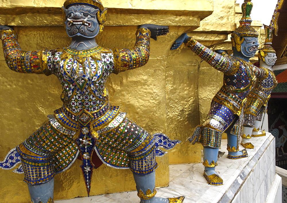 Statues of monkey-demons, Wat Phra Kaew temple, Grand Palace, Bangkok, Thailand, Southeast Asia, Asia - 724-2500