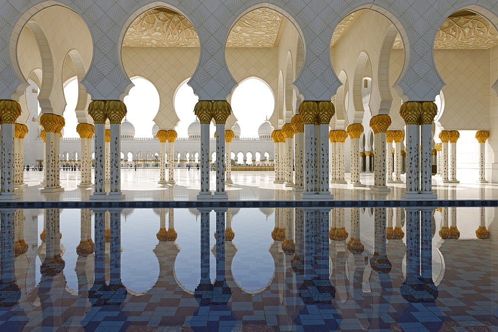 The Sheikh Zayed Grand Mosque, Abu Dhabi, United Arab Emirates, Middle East - 724-2511