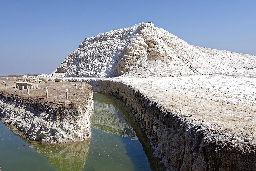 Khour salt lake, Iran, Middle East - 724-2591
