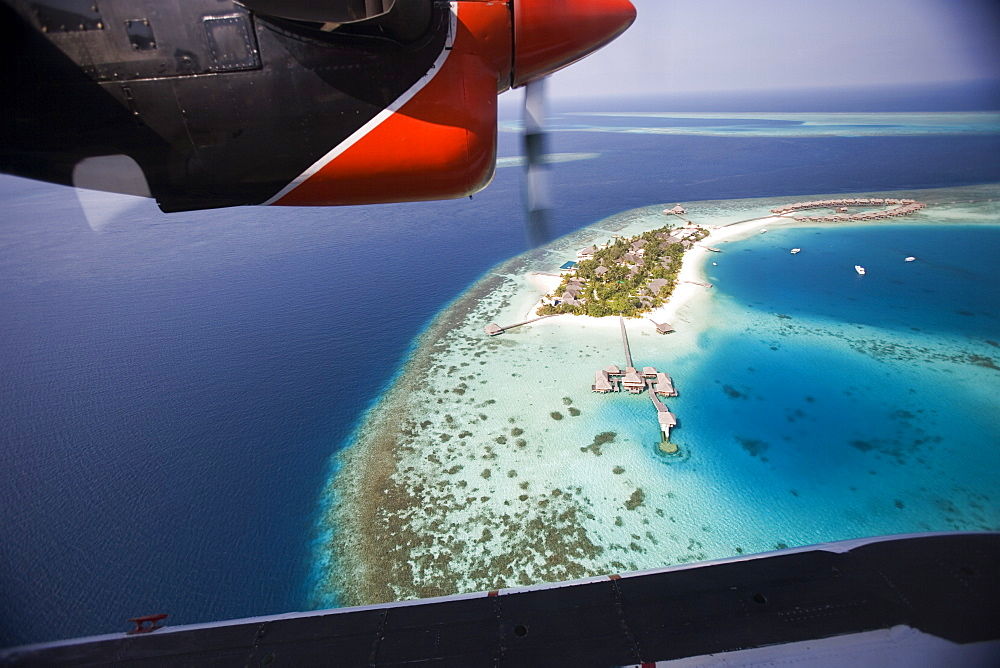 Air Taxi, Maldives - 728-3629