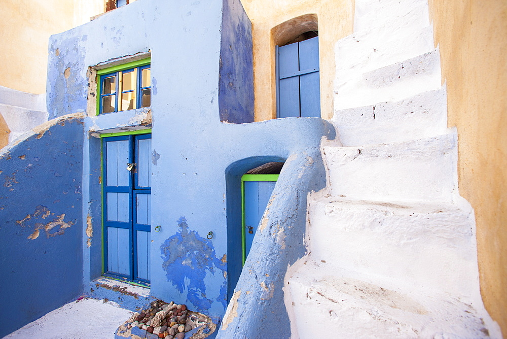 Painted building, Oia, Santorini, Cyclades, Greek Islands, Greece, Europe