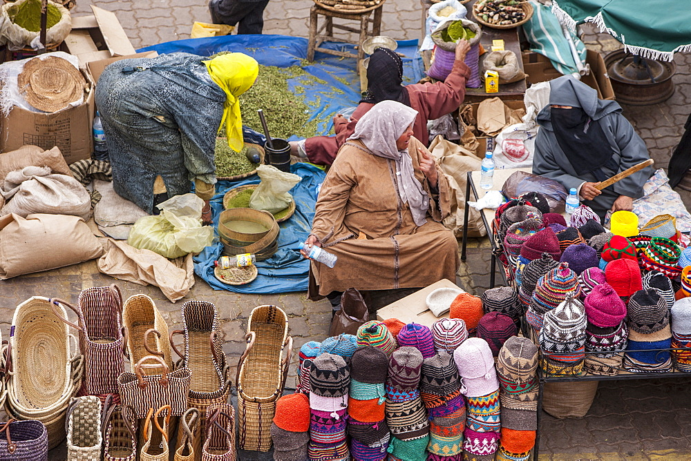 Sellers in the Medina, Marrakech, Morocco, North Africa, Africa