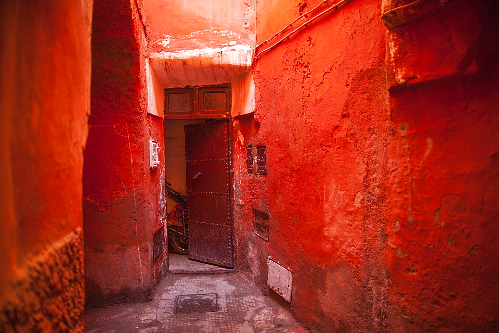 Alley in the Medina, UNESCO World Heritage Site, Marrakech, Morocco, North Africa, Africa