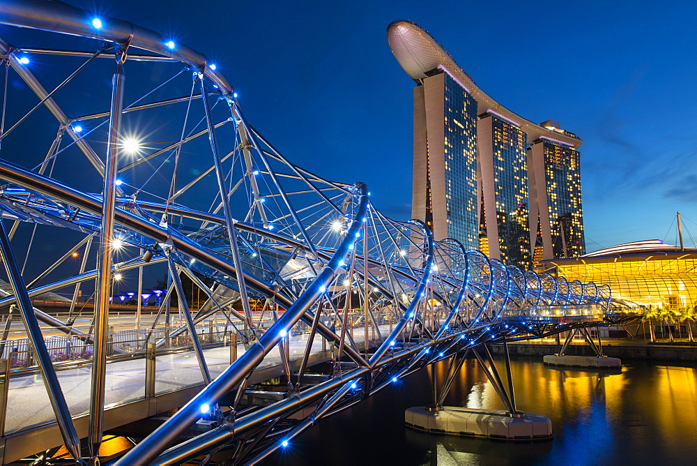 Helix Bridge and Marina Bay Sands Hotel, Singapore, Southeast Asia, Asia - 728-6366