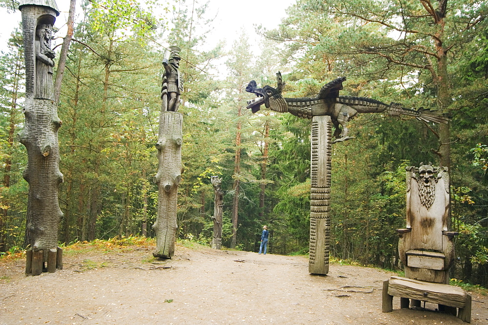 Witches Hill (Raganu Kalnas), fairytale Lithuanian wood carvings, Juordkrante Fishing Village, Curonian Spit National Park, UNESCO World Heritage Site, Lithuania, Baltic States, Europe