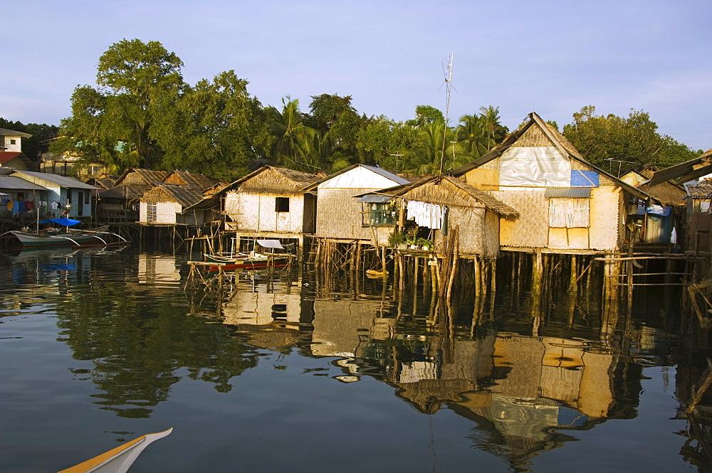 Waterfront stilt houses, Puerto Princesa, Palawan, Philippines, Southeast Asia, Asia