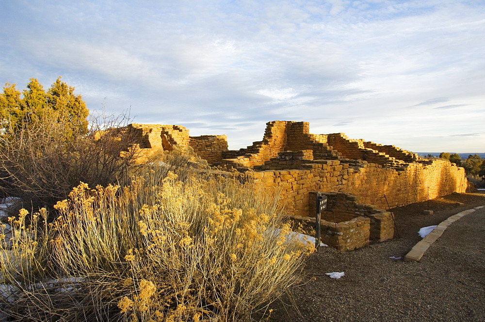 Pueblo ruins in Mesa Verde containing some of the most elaborte Pueblo dwellings found today, Mesa Verde National Park, UNESCO World Heritage Site, Colorado, United States of America, North America