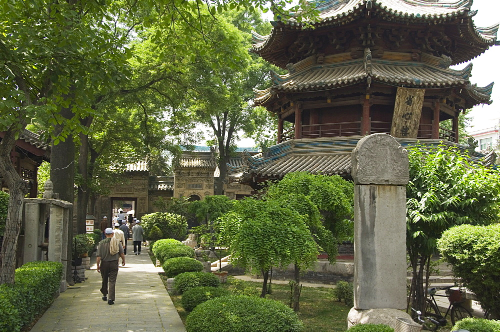 The Great Mosque located in the Muslim Quarter home to the citys Hui community, Xian City, Shaanxi Province, China, Asia