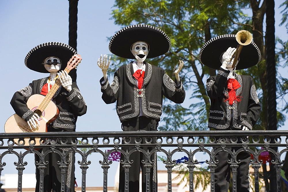 Skeleton figure decorations during Dia de Muertos (Day of the Dead), Morelia, Michoacan state, Mexico, North America - 733-4771