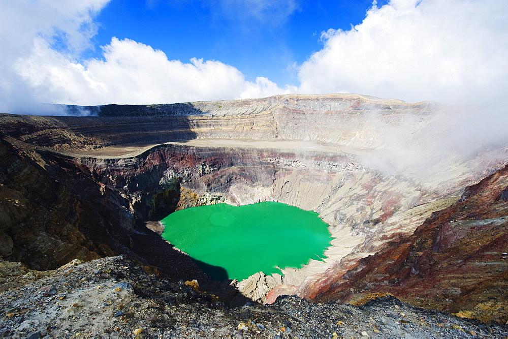 Crater lake of Volcan Santa Ana, 2365m, Parque Nacional Los Volcanes, El Salvador, Central America