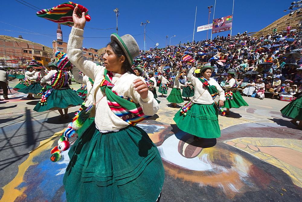 Women dancing, Anata Andina harvest festival, Carnival, Oruro, Bolivia, South America