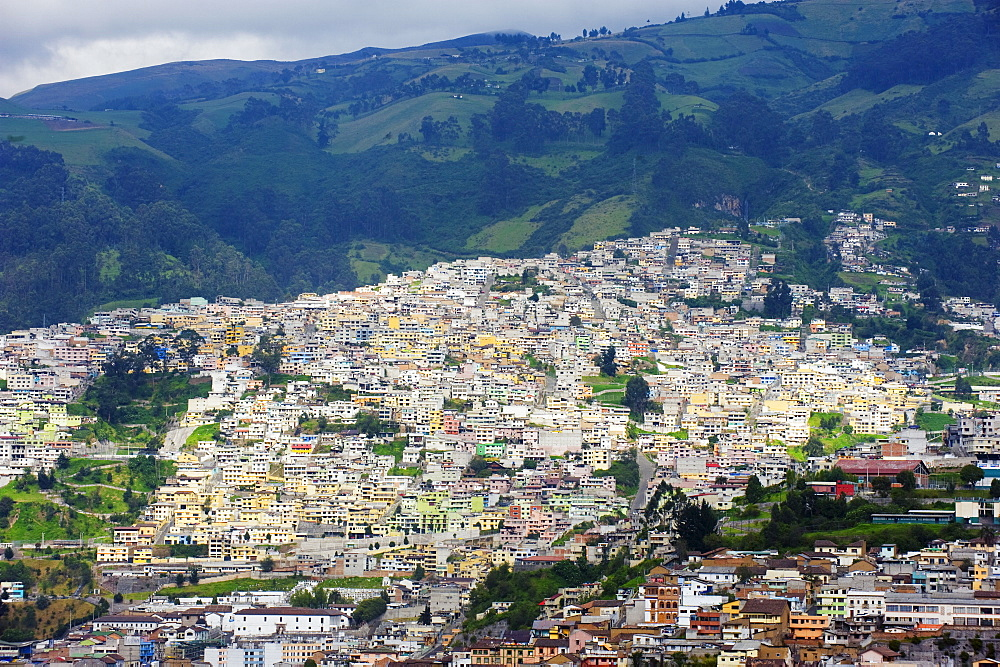 Colourful houses in old town, UNESCO World Heritage Site, Quito, Ecuador, South America