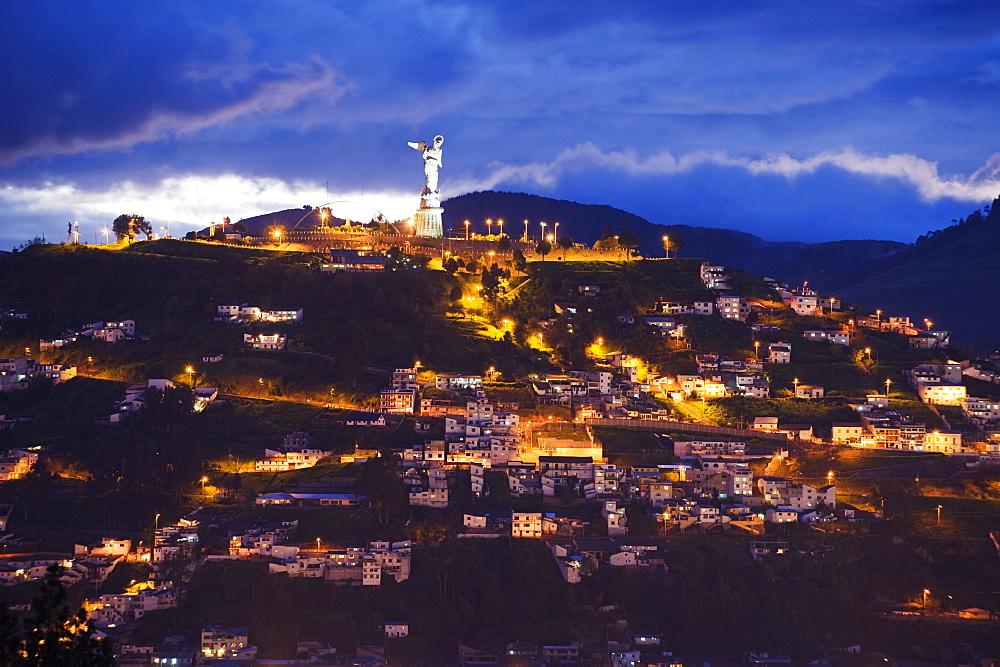 The Virgen de Quito monument on El Panecillo, old town, UNESCO World Heritage Site, Quito, Ecuador, South America