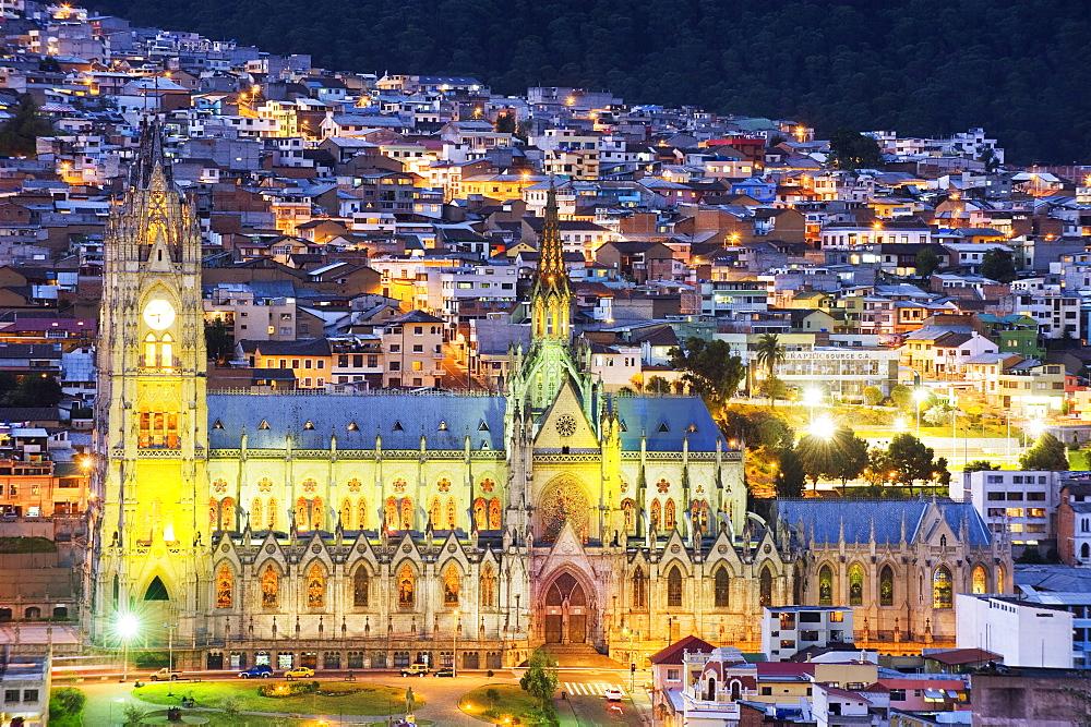 Gothic Basilica del Voto Nacional, old town, UNESCO World Heritage Site, Quito, Ecuador, South America