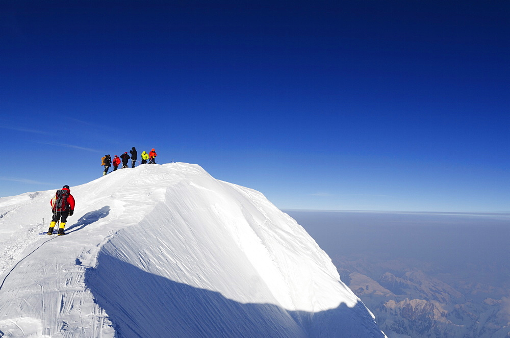 Summit ridge, climbing expedition on Mount McKinley, 6194m, Denali National Park, Alaska, United States of America, North America