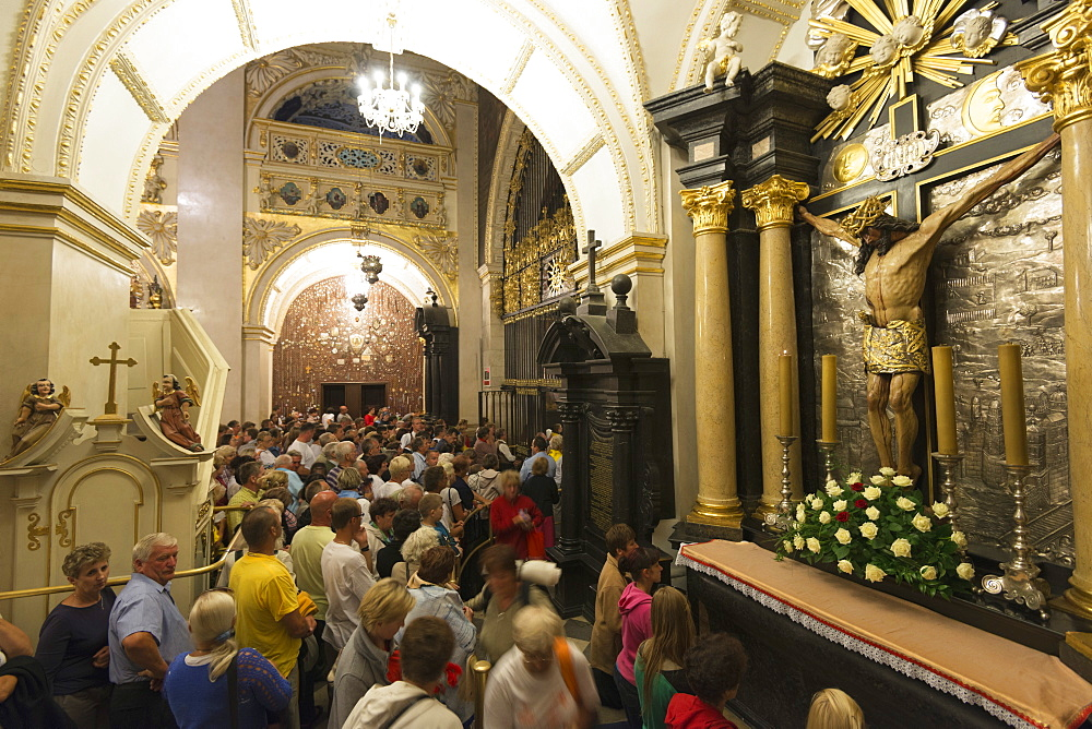 Pilgrims at Monastery of Jasna Gora, during the Marian Feast of Assumption, Czestochowa, Malopolska, Poland, Europe