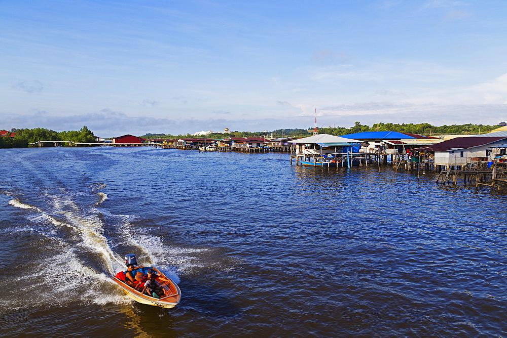 Kampung Ayer water village, Bandar Seri Begawan, Brunei, Borneo, Southeast Asia, Asia