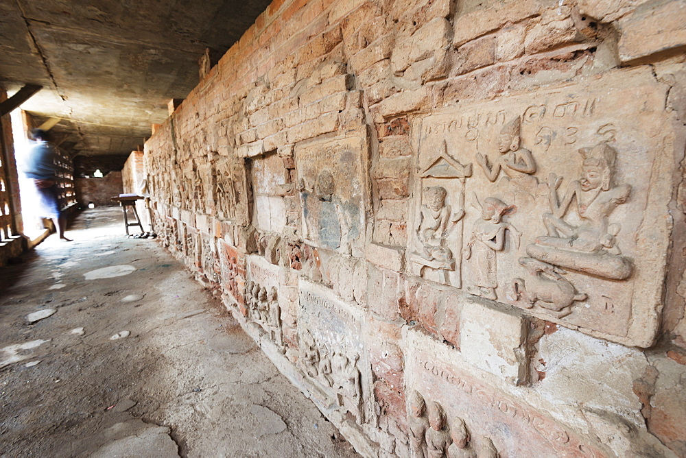 Terracotta Jataka tiles, Anauk Petleik Paya, Bagan (Pagan), Myanmar (Burma), Asia