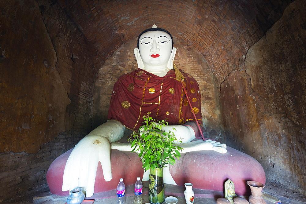 Buddha statue in temple, Bagan (Pagan), Myanmar (Burma), Asia