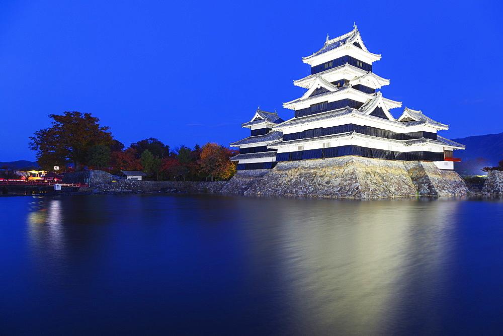 Matsumoto Castle (The Crow Castle) built in 1594, Matsumoto, Nagano Prefecture, Honshu, Japan, Asia - 733-6357