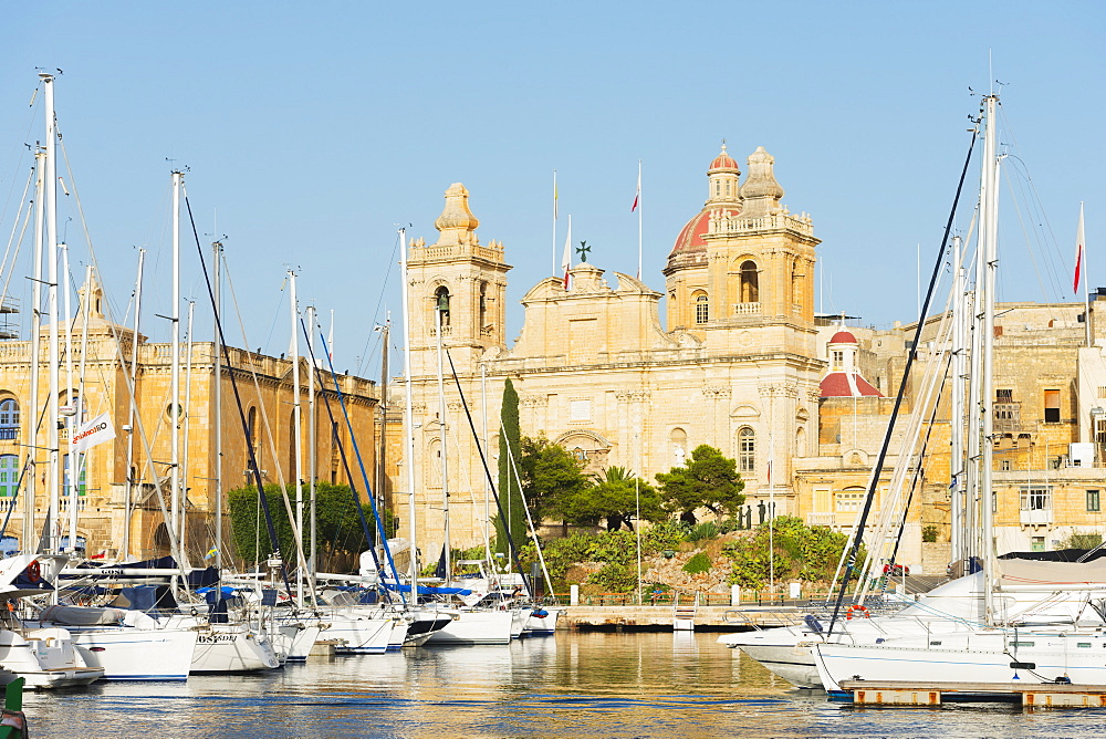 Parish Church of St..Lawrence, Grand Harbour Marina, Vittoriosa (Birgu), The Three Cities, Malta, Mediterranean, Europe