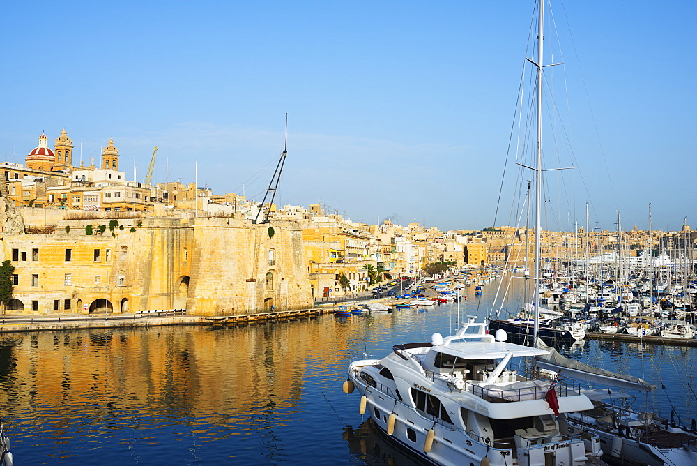 Senglea (L-Isla), Grand Harbour Marina, The Three Cities, Malta, Mediterranean, Europe