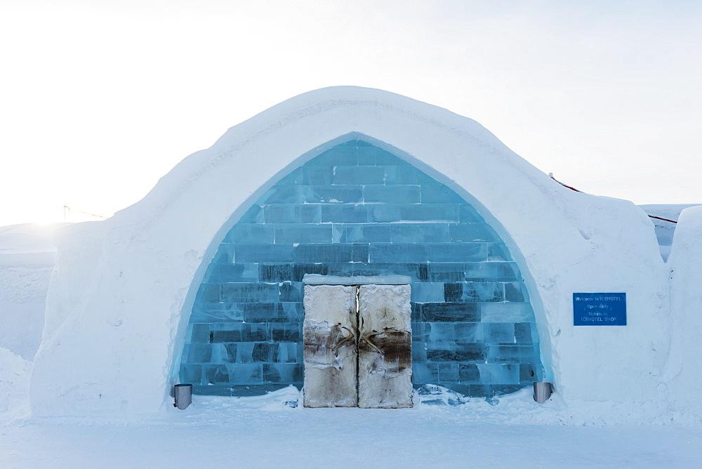 Ice Hotel, Kiruna, Lapland, Arctic Circle, Sweden, Scandinavia, Europe - 733-6698