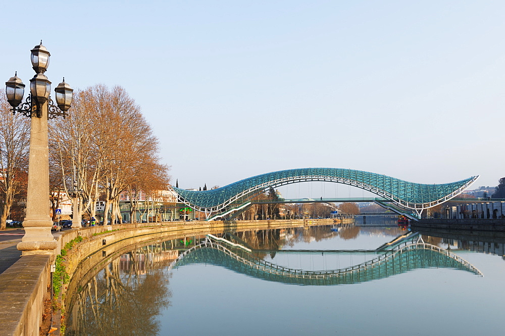 Bridge of Peace on Mtkvari River, Tbilisi, Georgia, Caucasus, Central Asia, Asia