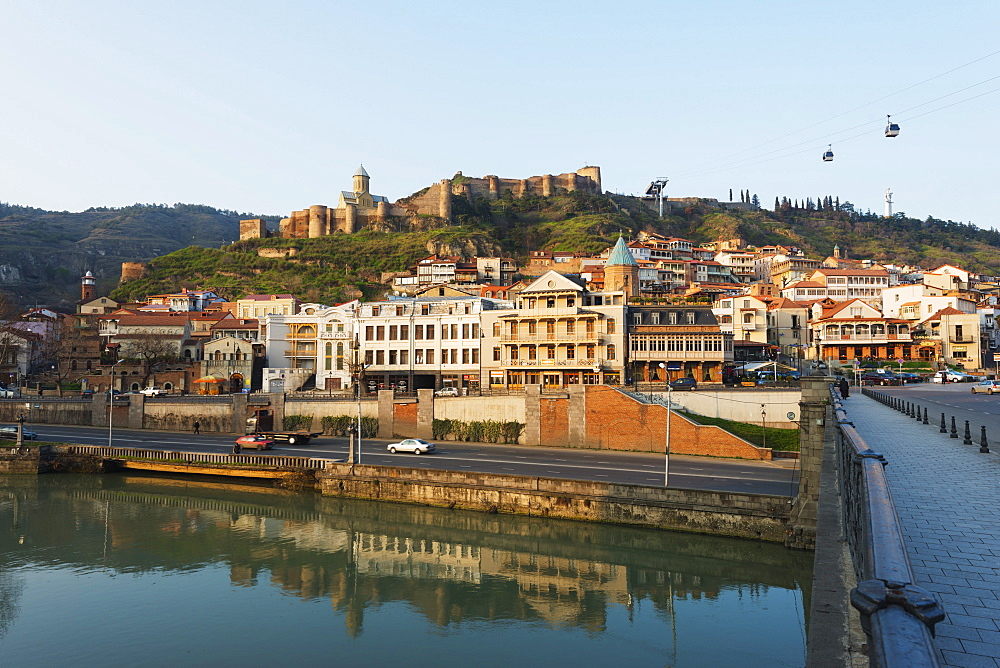 OId town and Narikala castle above Mtkvari River, Tbilisi, Georgia, Caucasus, Central Asia, Asia