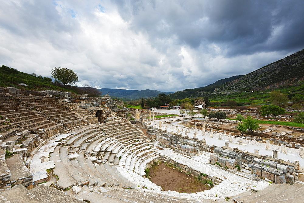 Ancient Roman amphitheater, Ephesus, Selcuk, Anatolia, Turkey, Asia Minor, Eurasia