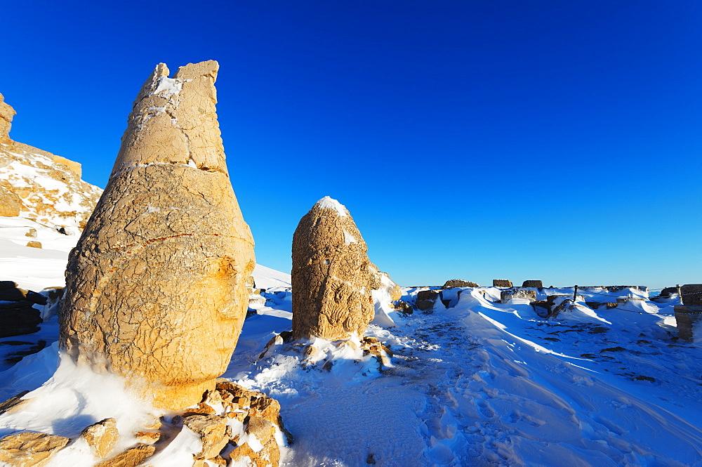 Antiochos Sanctuary, eastern terrace, Nemrut Dagi (Mount Nemrut), UNESCO World Heritage Site, Anatolia, Turkey, Asia Minor, Eurasia