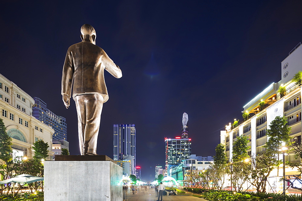 Ho Chi Minh statue, Ho Chi Minh City (Saigon), Vietnam, Indochina, Southeast Asia, Asia