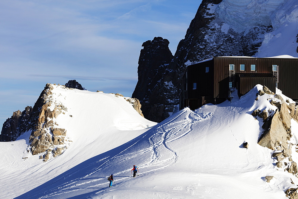 Grand Capucin and Refuge des Cosmiques (Cosmiques Hut), Chamonix, Rhone Alpes, Haute Savoie, French Alps, France, Europe