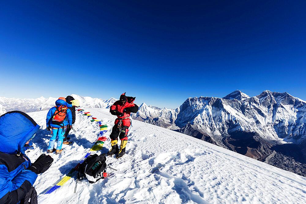 Summit of Ama Dablam, 6812m, view of Everest, Sagarmatha National Park, UNESCO World Heritage Site, Khumbu Valley, Nepal, Himalayas, Asia