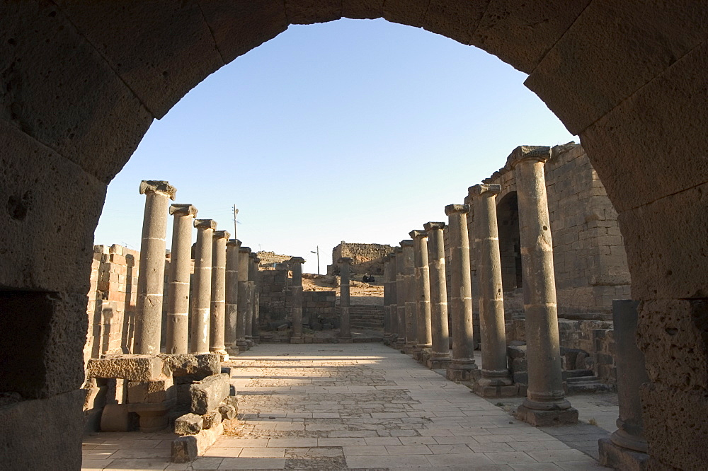 Archway, Ancient City archaelogical ruins, UNESCO World Heritage Site, Bosra, Syria, Middle East