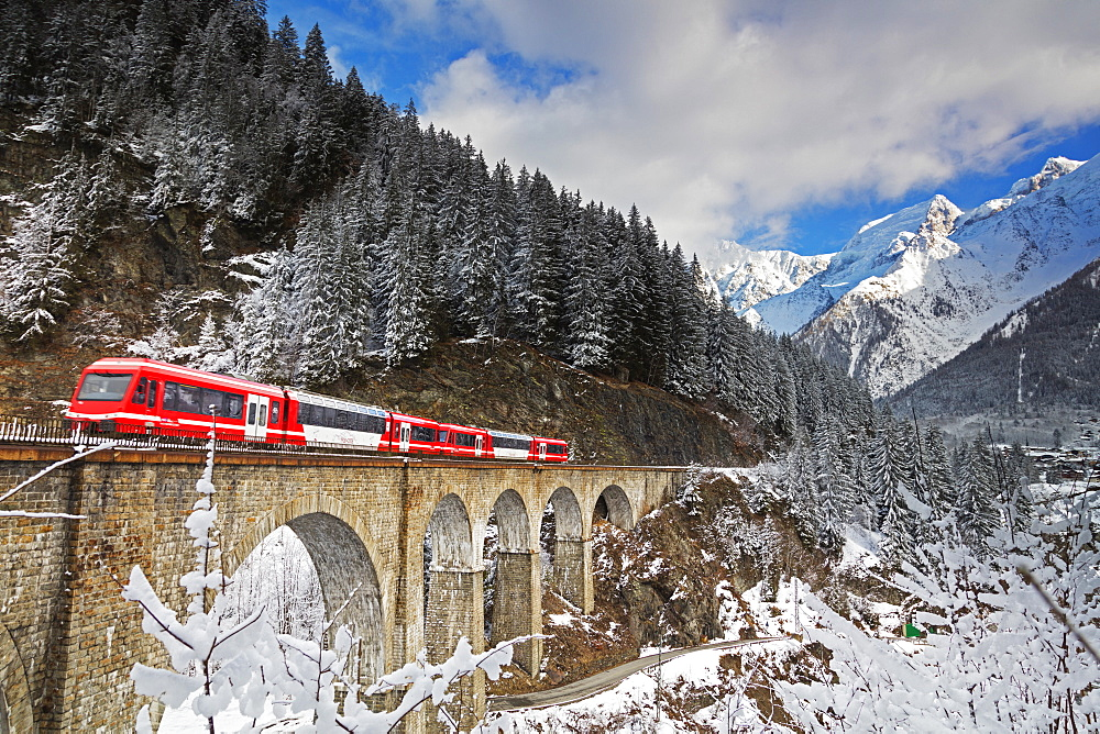 Mont Blanc Express train going over a viaduct, Chamonix, Haute Savoie, Rhone Alpes, France, Europe - 733-7823