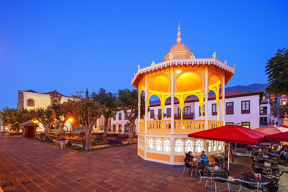 Europe, Spain, Canary Islands, Tenerife, La Orotava, plaza de la Constitucion - 733-8417