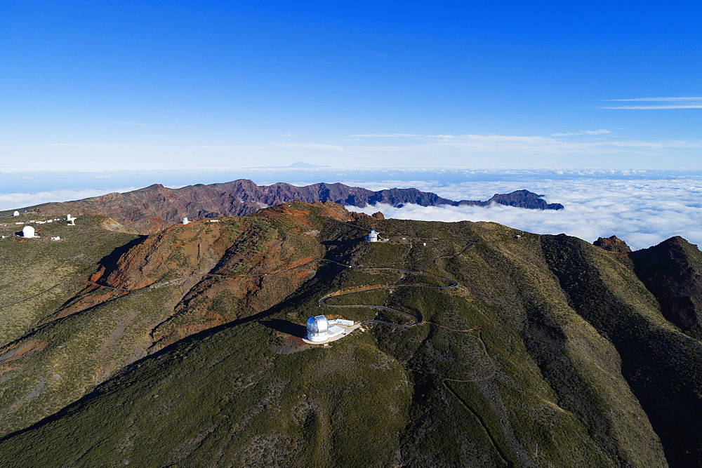 Europe, Spain, Canary Islands, La Palma, Unesco Biosphere site, aerial view of telescope observatory near National Park Caldera de Taburiente - 733-8437