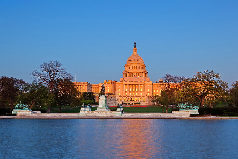 Ulysses S. Grant Memorial and United States Capitol Building showing current renovation work on the dome, Washington D.C., United States of America, North America - 734-249