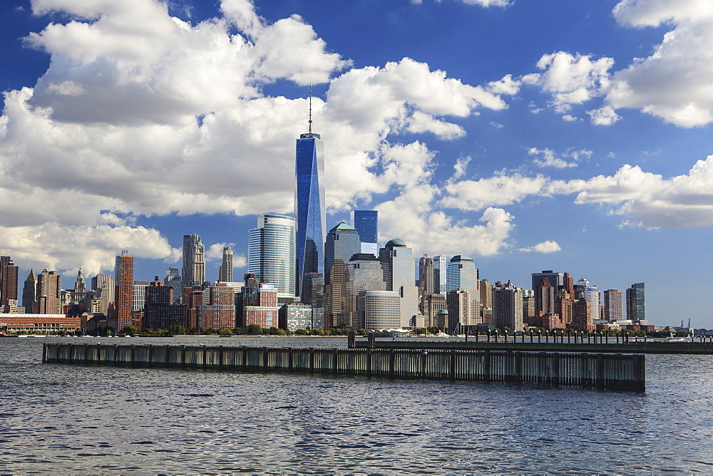 1 World Trade Centre Tower and New York's financial district as seen from Liberty State Park, New York, United States of America, North America - 734-259