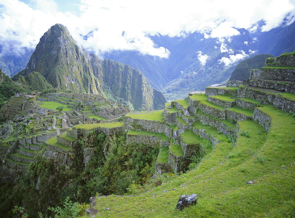 Inca terraces and ruins, Machu Picchu, UNESCO World Heritage Site, Peru, South America
